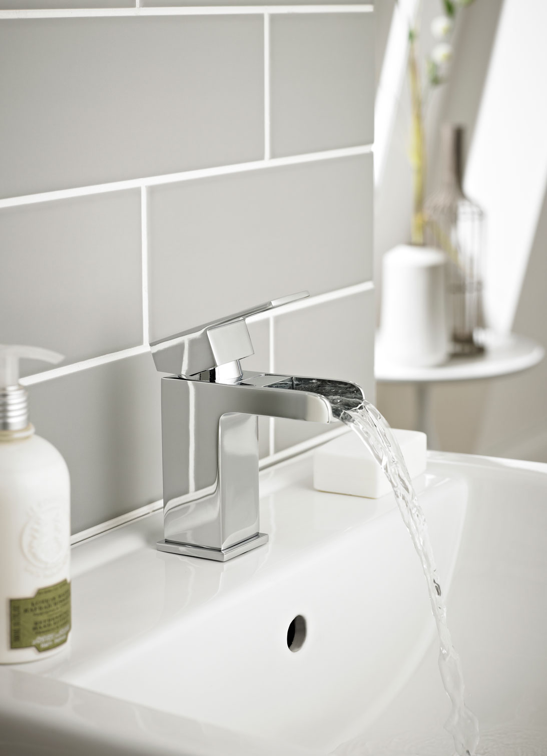 Elton Mono Basin Mixer With Clicker Waste