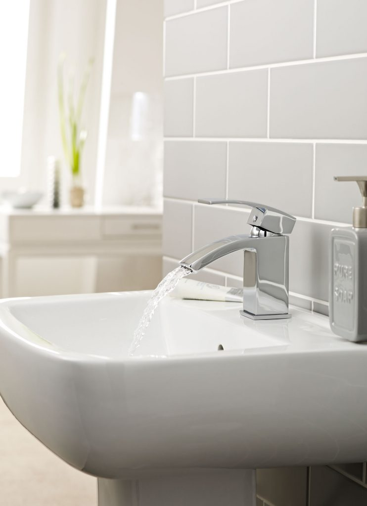 Gretton Mono Basin Mixer With Clicker Waste